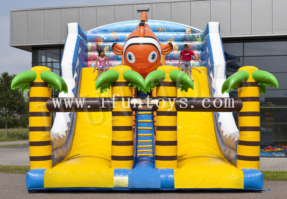 Double Lanes Inflatable Seaworld Slide / Water Slide with Air Blower for Kids And Adults